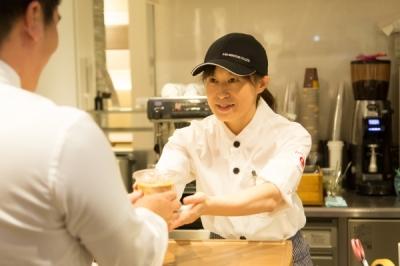 エームサービスジャパン株式会社 千代田区神田淡路町にあるビル館内カフェ-1121の求人画像