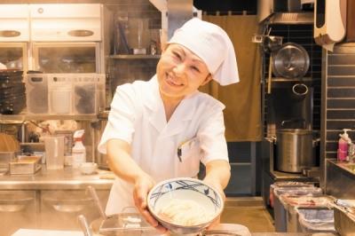丸亀製麺 博多駅南店の求人画像