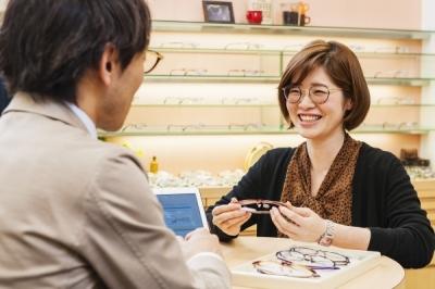 メガネの三城 大和高田内本町店の求人画像